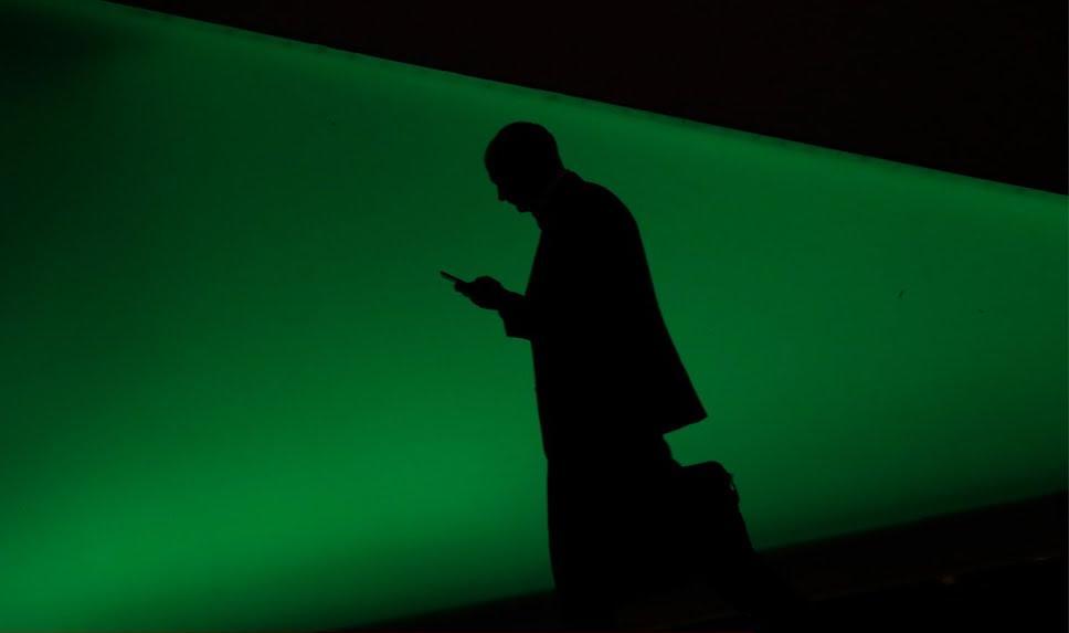 Как смартфоны и соцсети убивают наше время