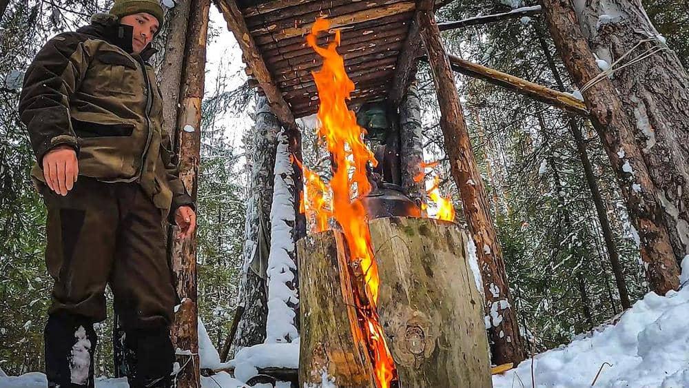 24 часа в лесу. Дом на дереве или изба на лыжах? Что теплее и лучше в мороз?